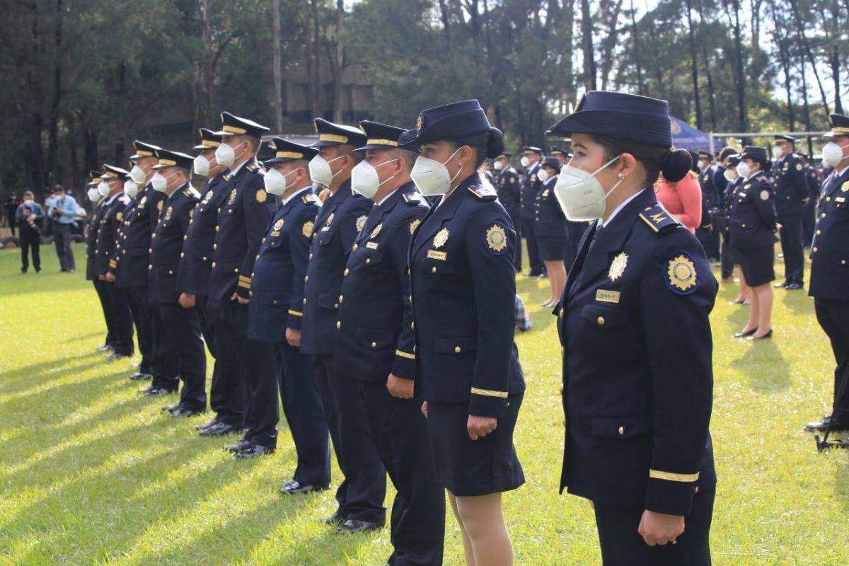 El Ministerio de Gobernación comprará uniformes para estudiantes de la PNC imagen