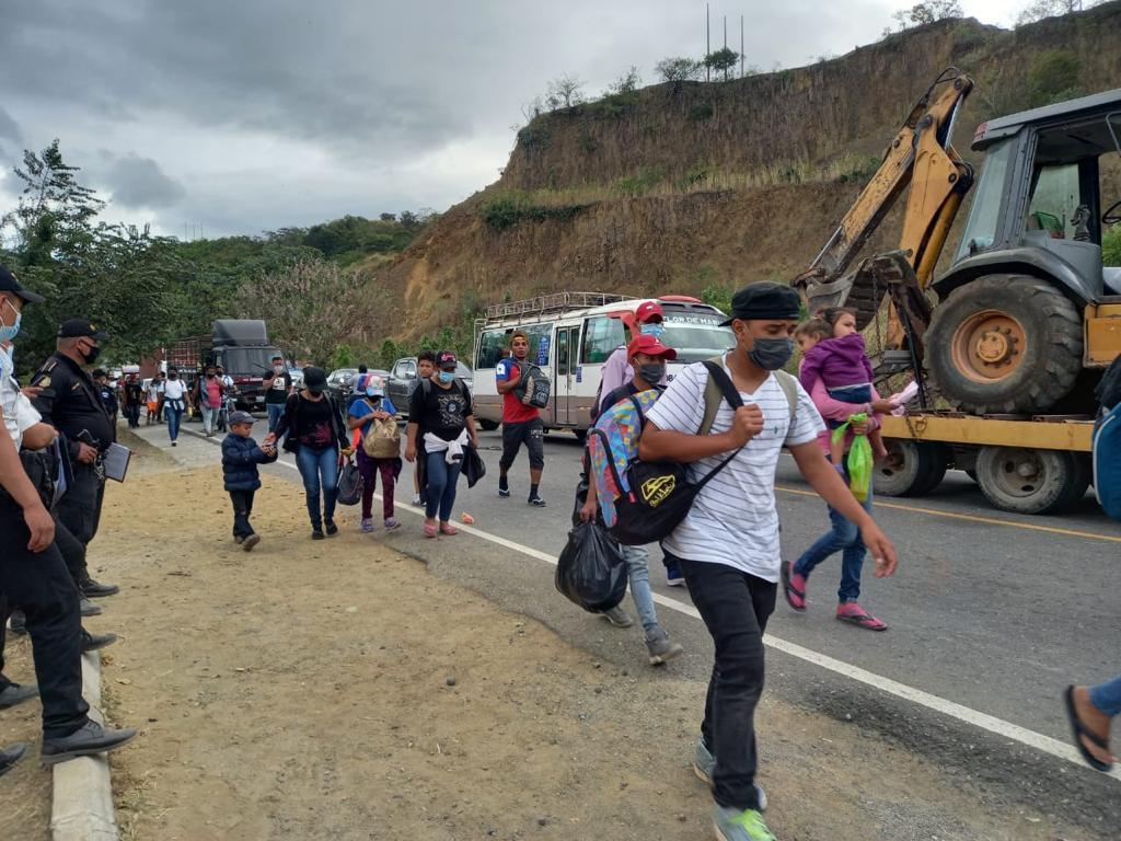Nueva caravana de migrantes hondureños: entre sueños, enfrentamientos y Covid-19 imagen