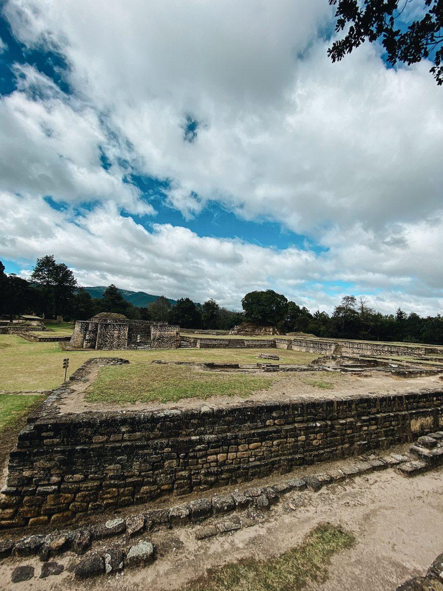 Iximché, la ciudad maya que la pandemia la dejó cómo fantasma imagen