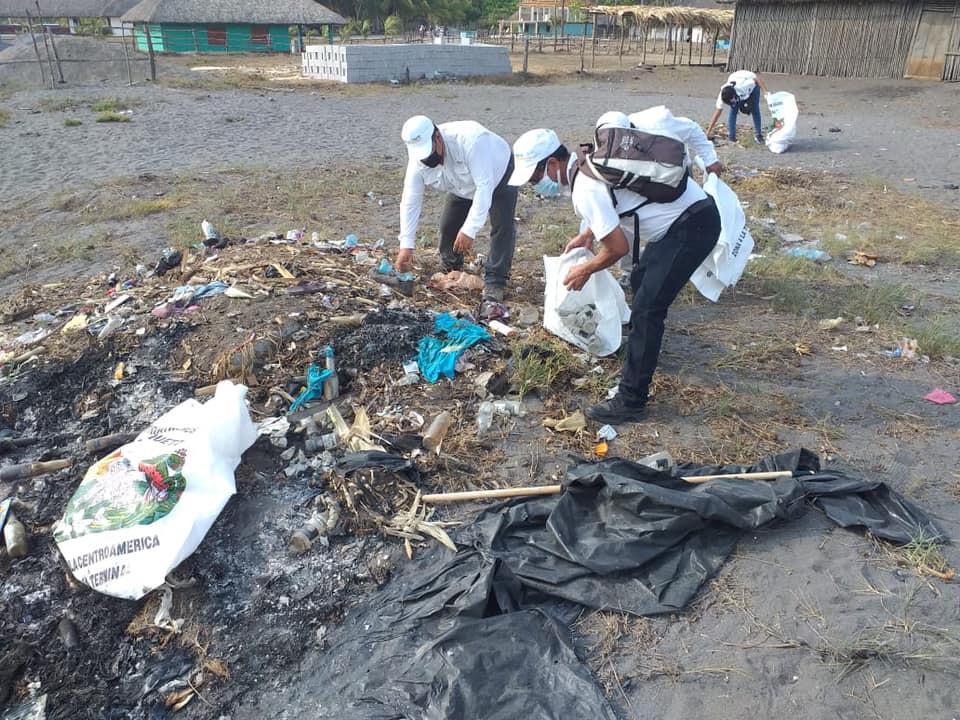 Cerca de 150 toneladas de basura son recolectados de las playas tras la Semana Santa imagen