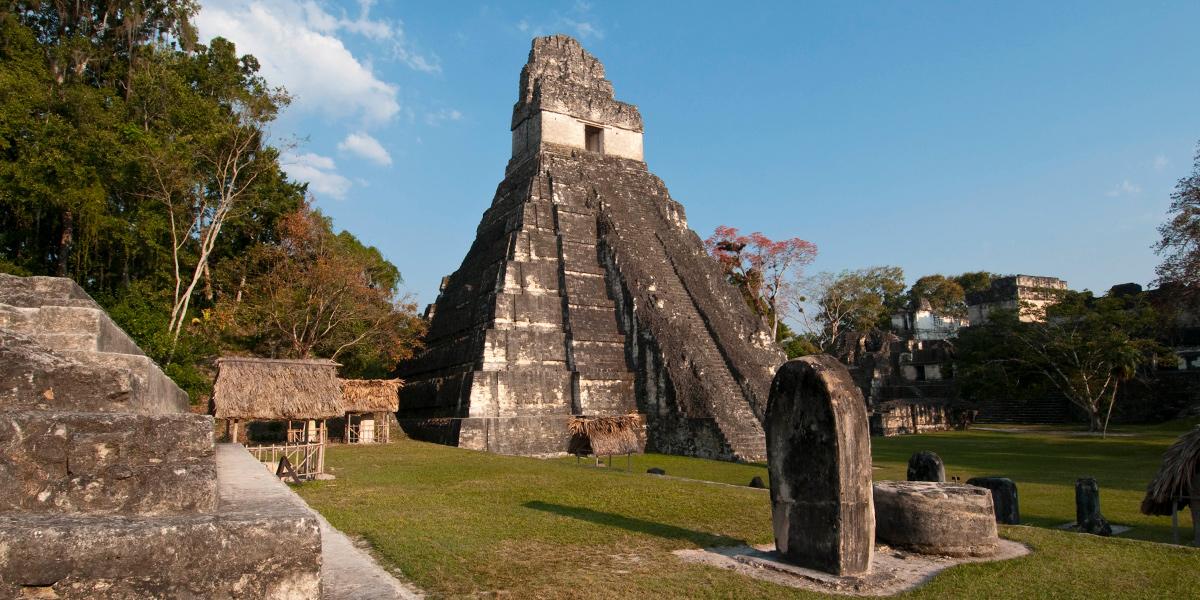 Con sus cámaras capturaron la belleza de Tikal, pero el MCD quiere cobrarles más de Q2 mil por sus fotografías imagen