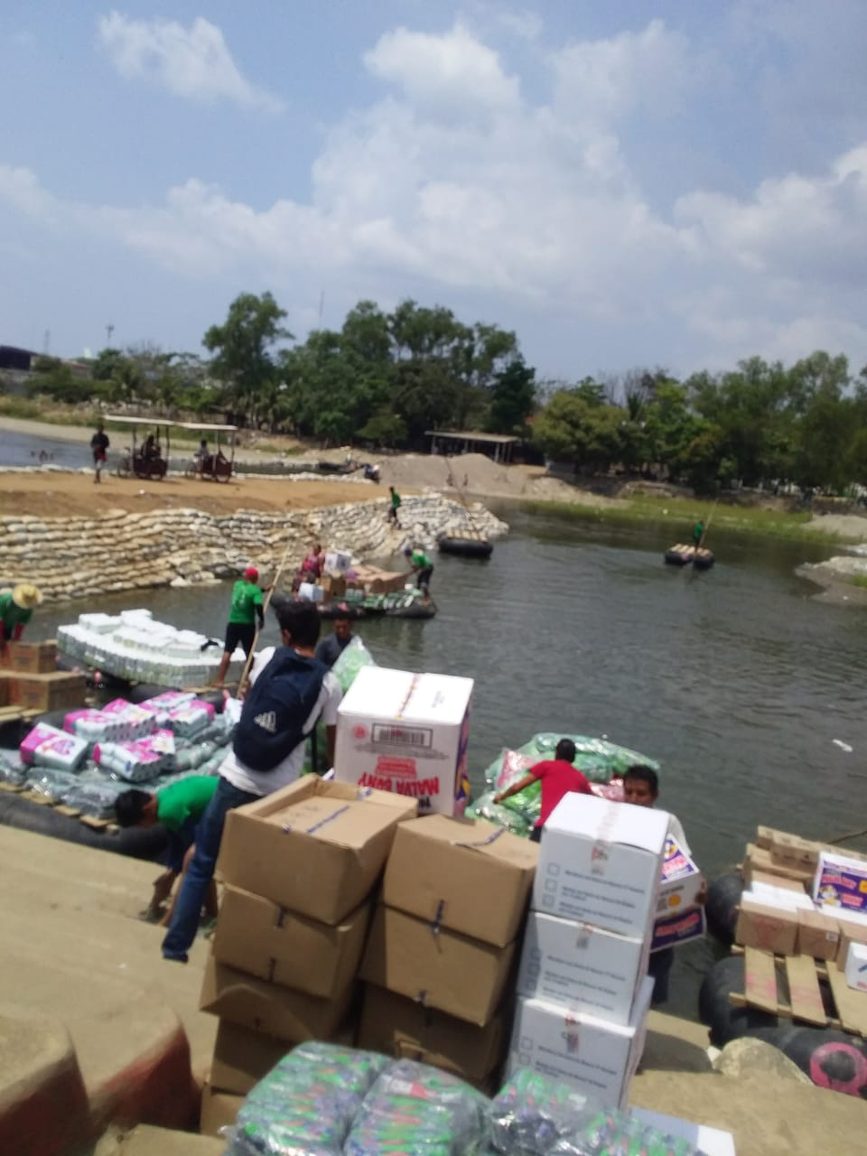 Condenan a contrabandista por transportar productos de contrabando imagen