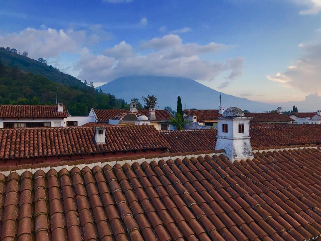Conoce la cultura y el impacto histórico de Esquipulas, Antigua y La Ciudad de Guatemala. imagen
