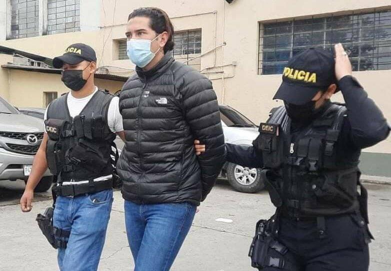 Juan Pablo Gutiérrez, el ex abogado de Marco Pappa que hoy enfrenta cargos de Violencia contra la mujer imagen