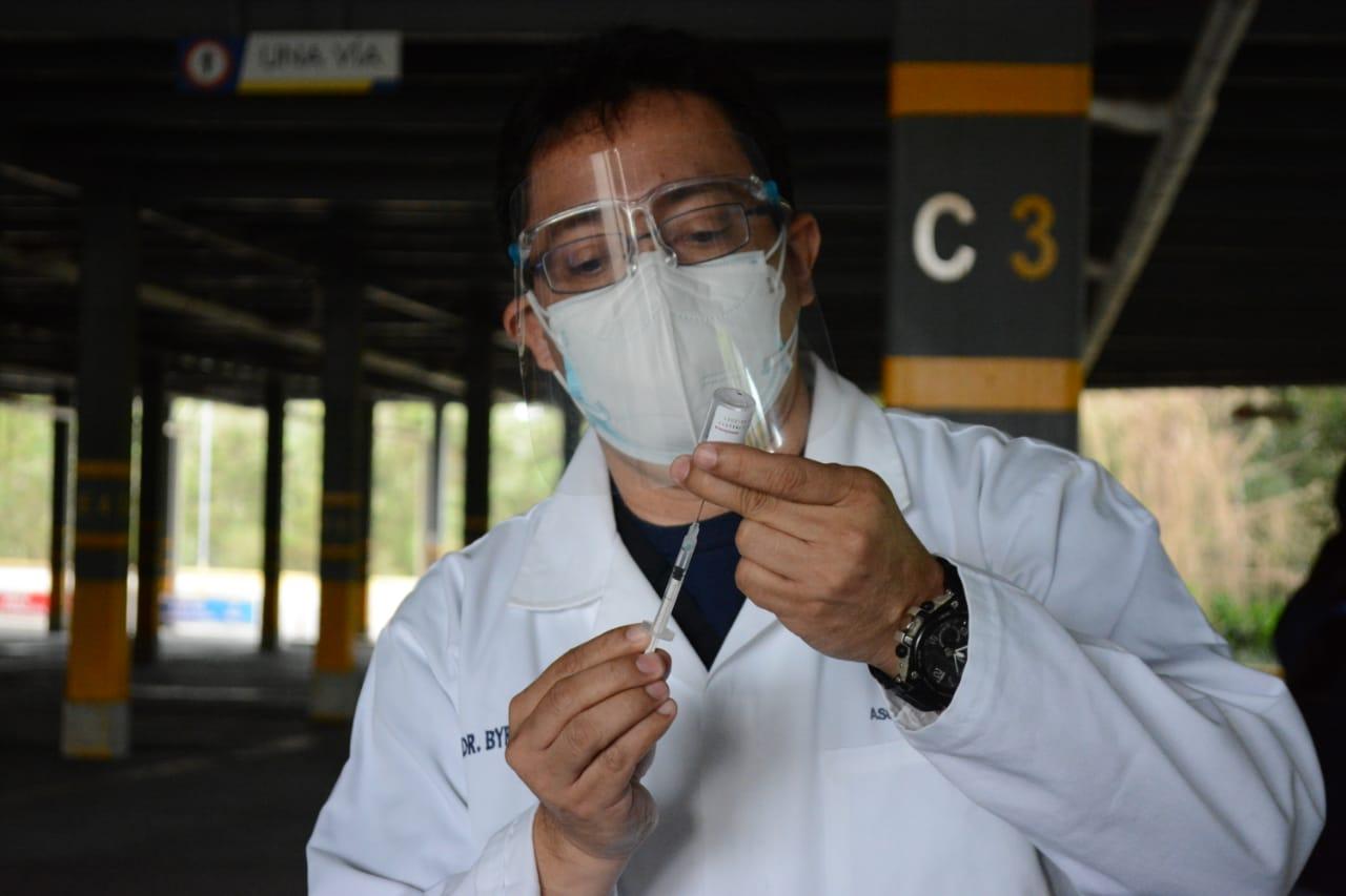 Arranca la vacunación contra el COVID-19 para los estudiantes universitarios imagen