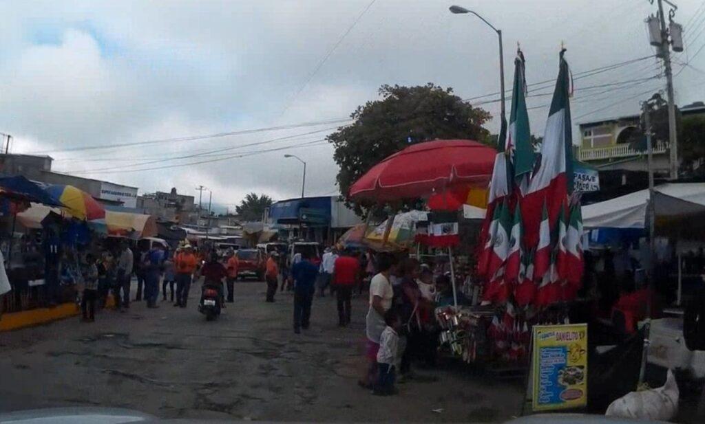 Vía libre en La Mesilla, frontera entre  Guatemala y México imagen